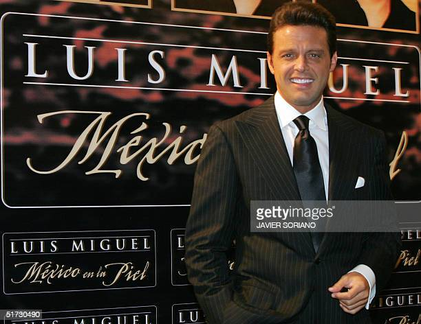 Mexican singer Luis Miguel poses for the photographers during the presentation of his new CD 'Mexico en la Piel' in Madrid 11 November 2004 AFP...
