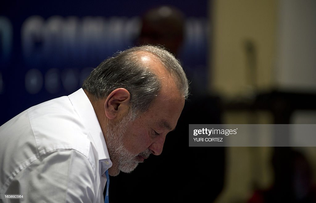 Mexican tycoon Carlos Slim attends the Broadband Commission for Digital Development meeting in Mexico City on March 17, 2013. AFP PHOTO/Yuri CORTEZ