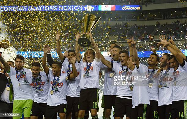 Mexico celebrates their victory in the 2015 CONCACAF Gold Cup final between Jamaica and Mexico in Philadelphia on July 26 2015 AFP PHOTO/DON EMMERT