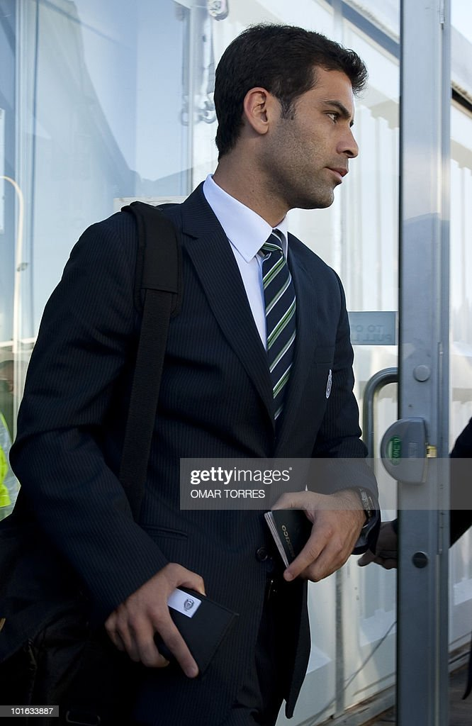 Mexico national football team defender Rafael Marquez arrives with his team at the O.R Tambo airport in Johannesburg on June 5, 2010.Mexico will have their first 2010 World Cup game on June 11.