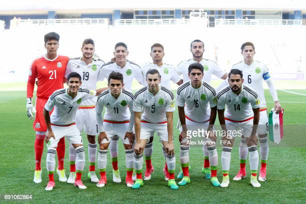 Mexico players pose for a team photo prior to the FIFA U20 World Cup Korea Republic 2017 Round of 16 match between Mexico and Senegal at Incheon...