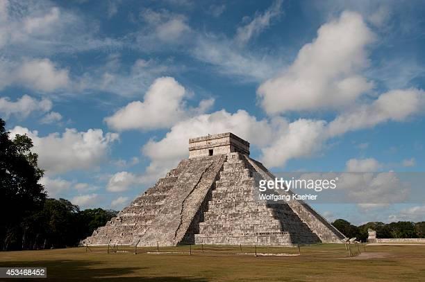 Mexico Yucatan Peninsula Near Cancun Maya Ruins Of Chichen Itza Archaeological Site El Castillo Mayan Pyramid