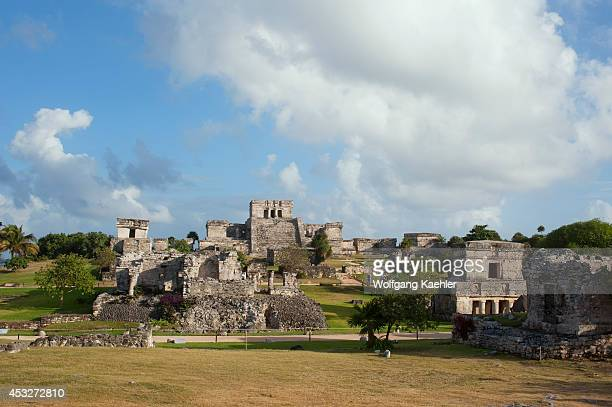 Mexico Yucatan Peninsula Near Cancun Riviera Maya Maya Ruins Of Tulum House Of The Columns El Castillo And Temple Of The Decending God On Left In The...