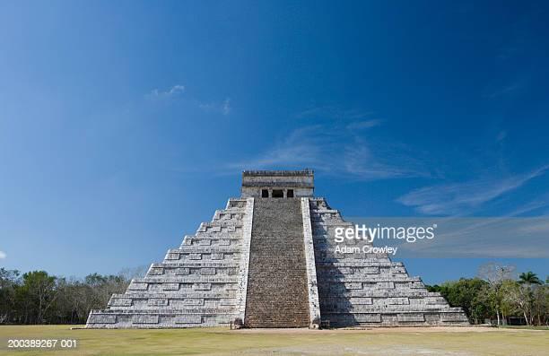 Mexico, Yucatan Peninsula, Yucatan, Chichen Itza, Kukulkan Pyramid