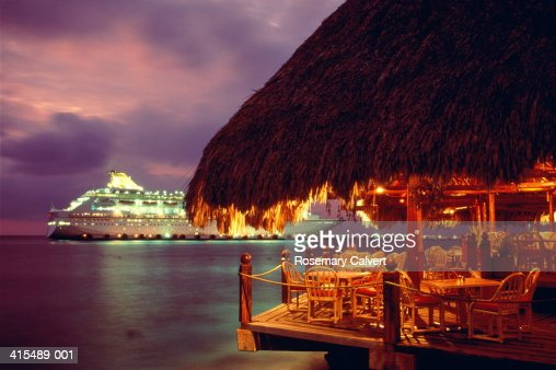 Mexico, Yucatan, Quintana Roo, Isla Cozumel, bar and cruise ship, nigh : Stock Photo