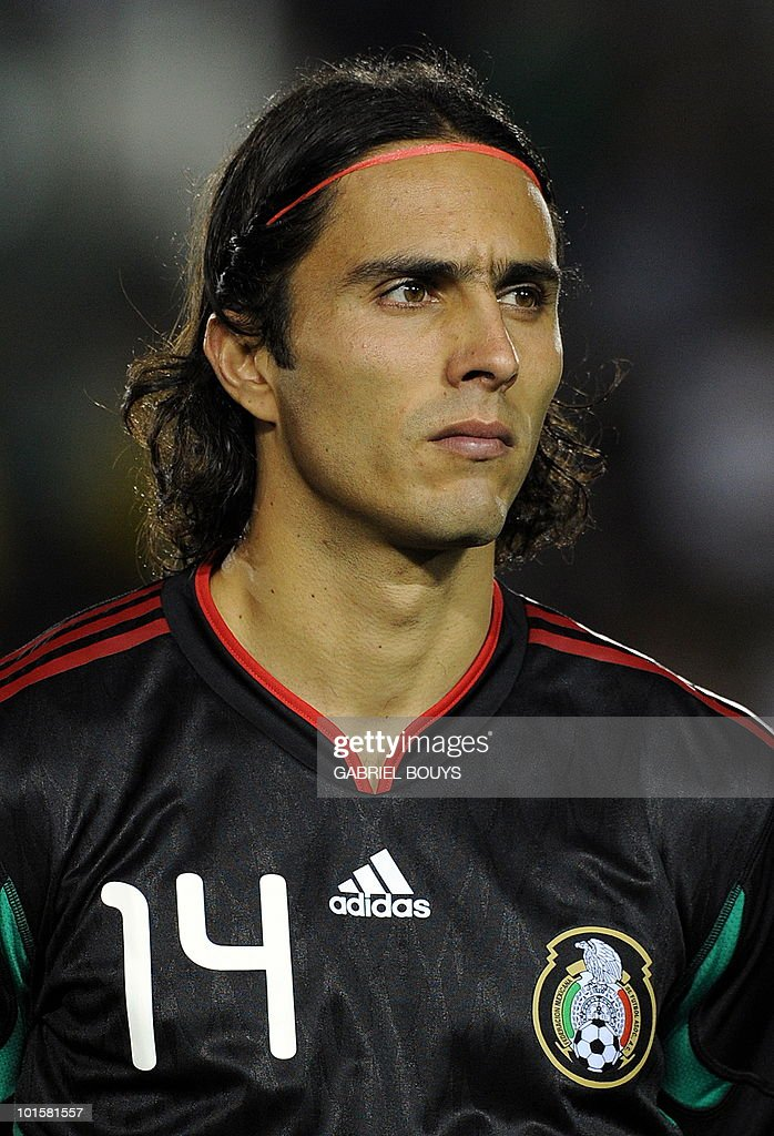 Mexico's Aldo De Nigris poses prior a friendly international football match against New Zealand at the Rose Bowl stadium in Pasadena, California on March 3, 2010. Mexico won 2-0.
