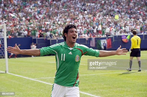 Mexico's Carlo Vela celebrates his goal against the US during the finals of the CONCACAF Gold Cup soccer tournament July 26 2009 at Giants Stadium in...