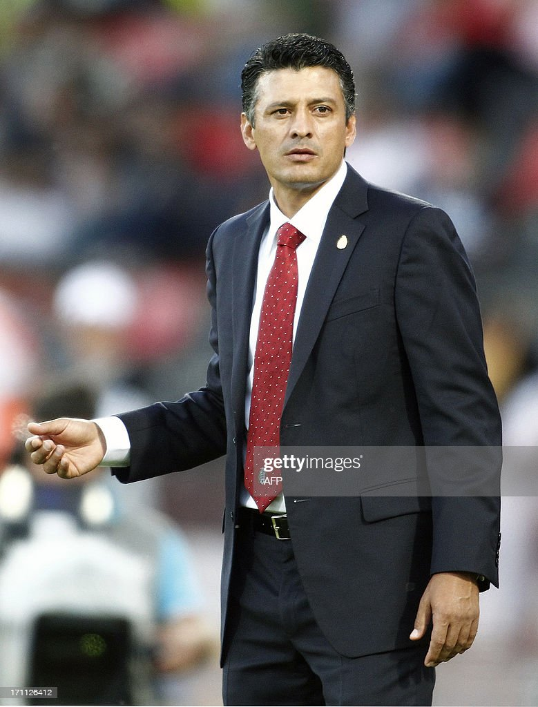 Mexico's coach Sergio Almaguer looks on during the group stage football match between Mexico and Greece at the FIFA Under 20 World Cup at the Kamil Ocak stadium in Gaziantep on June 22, 2013. AFP PHOTO/TURKPIX/Aykut AKICI