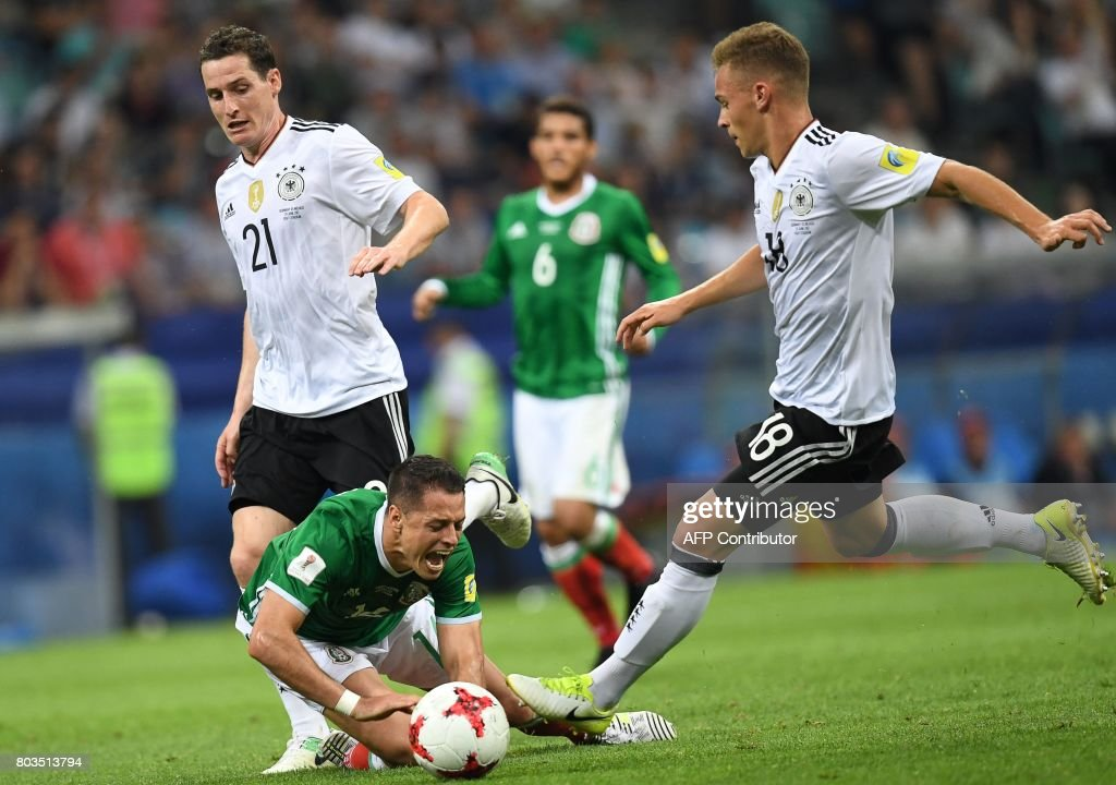 FBL-CONFED-CUP-MATCH14-GER-MEX : News Photo