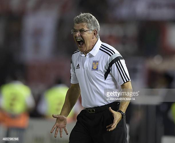 Mexico's Tigres coach Ricardo Ferretti gestures during their Copa Libertadores 2015 group 6 football match against Argentina's River Plate at the...