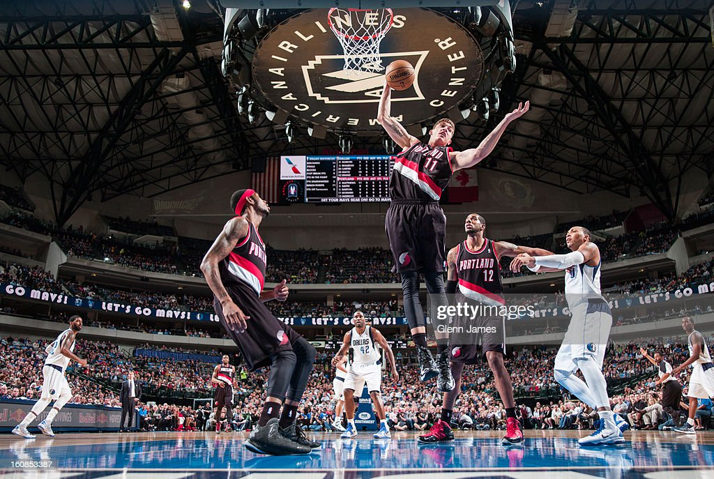 <a gi-track='captionPersonalityLinkClicked' href=/galleries/search?phrase=Meyers+Leonard&family=editorial&specificpeople=6893999 ng-click='$event.stopPropagation()'>Meyers Leonard</a> #11 of the Portland Trail Blazers grabs a rebound against the Dallas Mavericks on February 6, 2013 at the American Airlines Center in Dallas, Texas.