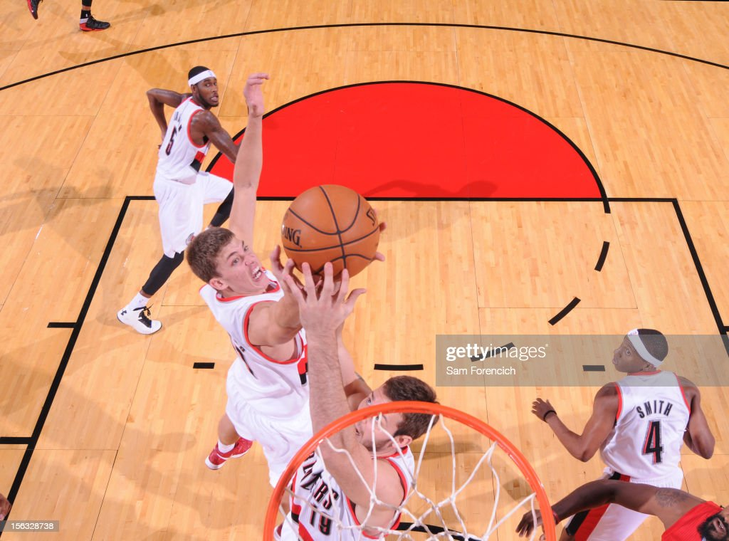 <a gi-track='captionPersonalityLinkClicked' href=/galleries/search?phrase=Meyers+Leonard&family=editorial&specificpeople=6893999 ng-click='$event.stopPropagation()'>Meyers Leonard</a> #11 of the Portland Trail Blazers grabs the ball against the Los Angeles Clippers on November 8, 2012 at the Rose Garden Arena in Portland, Oregon.