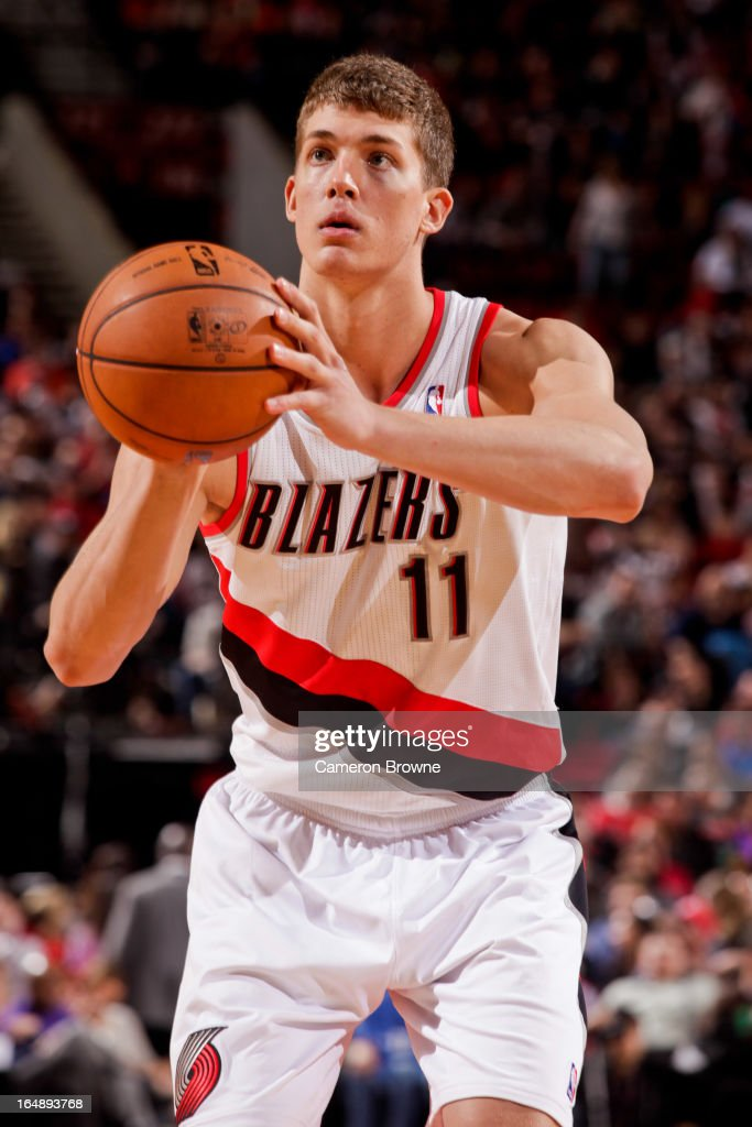 <a gi-track='captionPersonalityLinkClicked' href=/galleries/search?phrase=Meyers+Leonard&family=editorial&specificpeople=6893999 ng-click='$event.stopPropagation()'>Meyers Leonard</a> #11 of the Portland Trail Blazers shoots a free-throw against the Brooklyn Nets on March 27, 2013 at the Rose Garden Arena in Portland, Oregon.