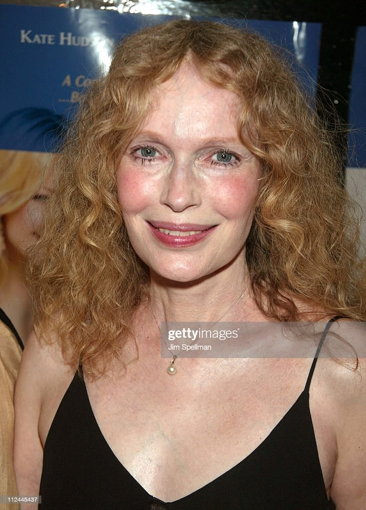 <a gi-track='captionPersonalityLinkClicked' href=/galleries/search?phrase=Mia+Farrow&family=editorial&specificpeople=93764 ng-click='$event.stopPropagation()'>Mia Farrow</a> during 'Le Divorce' - New York Premiere - Outside Arrivals at The Paris Theater in New York City, New York, United States.