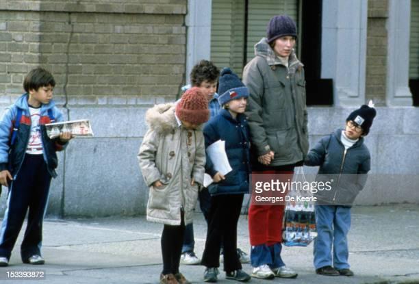 Mia Farrow with children in New York 1981