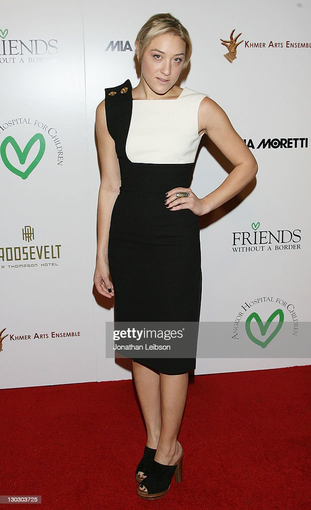 Mia Moretti attends the 2nd Annual Friends Without A Border Gala at Hollywood Roosevelt Hotel on October 25, 2011 in Hollywood, California.