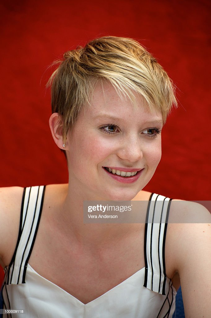 Mia Wasikowska at the 'Alice In Wonderland' press conference at the Renaissance Hollywood Hotel on February 20, 2010 in Hollywood, California.