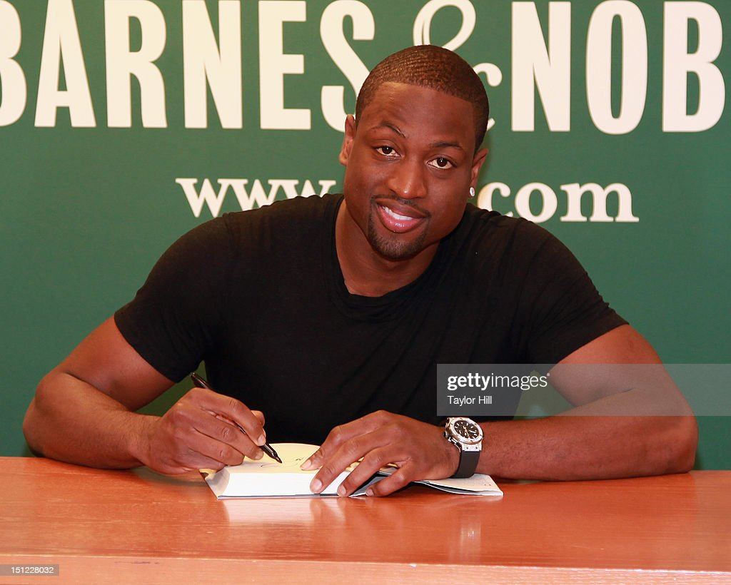 dwyane wade signs copies of his book