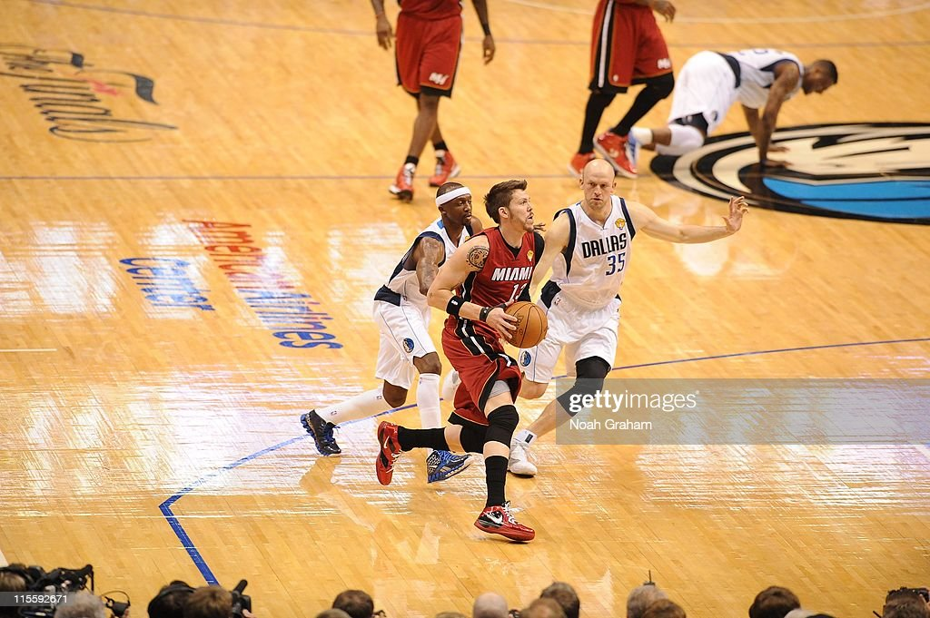 Miami Heat shooting guard <a gi-track='captionPersonalityLinkClicked' href=/galleries/search?phrase=Mike+Miller+-+Basketball+Player&family=editorial&specificpeople=201801 ng-click='$event.stopPropagation()'>Mike Miller</a> #13 drives to the basket during the play against the Dallas Mavericks in Game Four of the 2011 NBA Finals on June 7, 2011 at the American Airlines Center in Dallas, Texas.