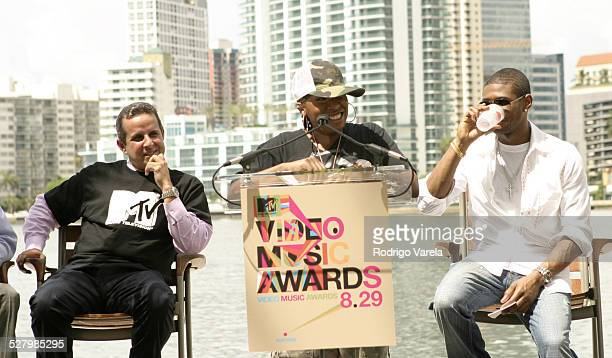 Miami Mayor Manny Diaz Missy Elliott and Usher during 2004 MTV Video Music Award Nominee Press Conference at Mandarin Oriental Hotel in Miami Florida...