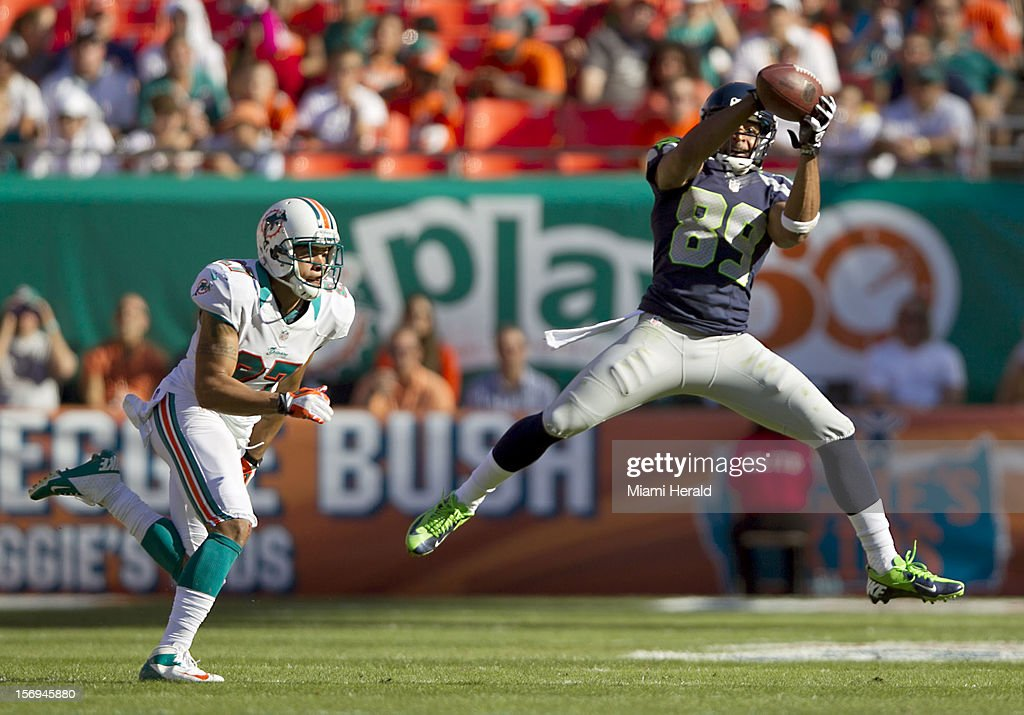 Miami wide receiver Doug Baldwin (89) make this catch behind cornerback Jimmy Wilson (27) in the third quarter as the Miami Dolphins beat the Seattle Seahawks 24-21 at Sun Life Stadium in Miami Gardens, Florida, November 25, 2012.