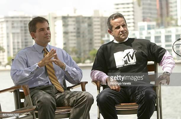 MiamiDade County Mayor Alex Penelas and Miami Mayor Manny Diaz
