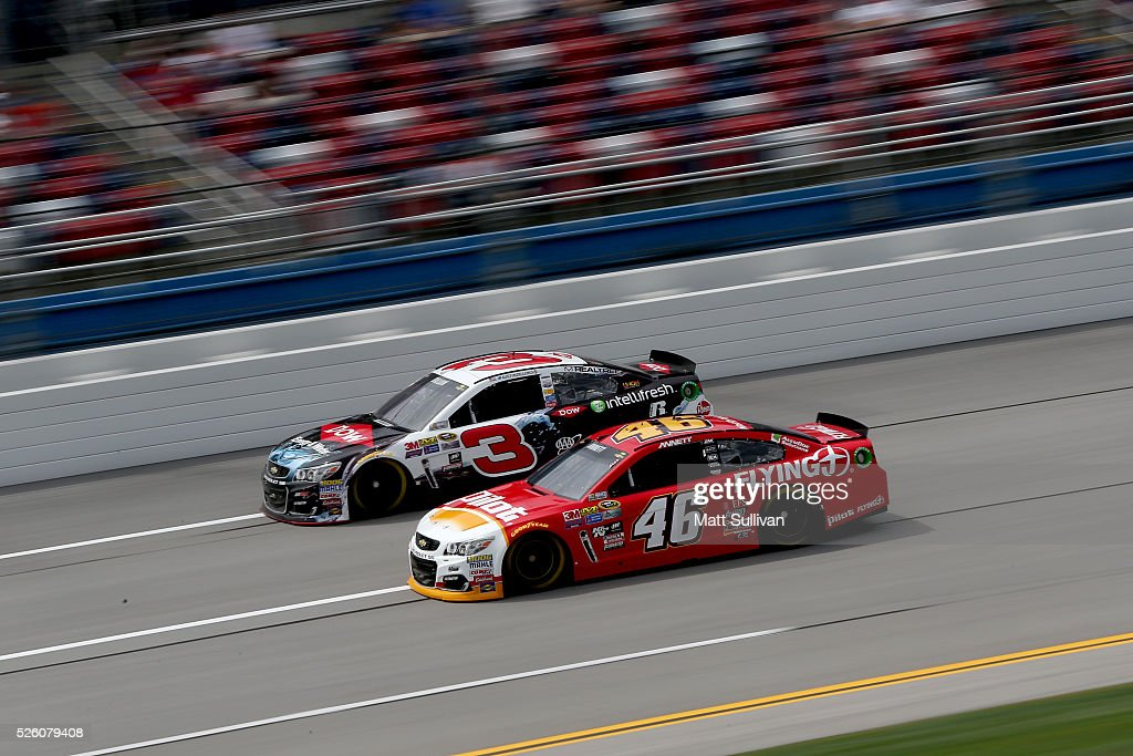 <a gi-track='captionPersonalityLinkClicked' href=/galleries/search?phrase=Michael+Annett&family=editorial&specificpeople=4531973 ng-click='$event.stopPropagation()'>Michael Annett</a>, driver of the #46 Pilot Flying J Chevrolet, races <a gi-track='captionPersonalityLinkClicked' href=/galleries/search?phrase=Austin+Dillon&family=editorial&specificpeople=5075945 ng-click='$event.stopPropagation()'>Austin Dillon</a>, driver of the #3 Dow - Energy & Water/Intellifresh Chevrolet, during practice for the NASCAR Sprint Cup Series GEICO 500 at Talladega Superspeedway on April 29, 2016 in Talladega, Alabama.