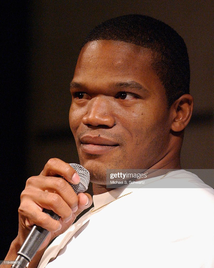 Michael Batts performs at The Hollywood Improv on October 4 2007 in Hollywood California