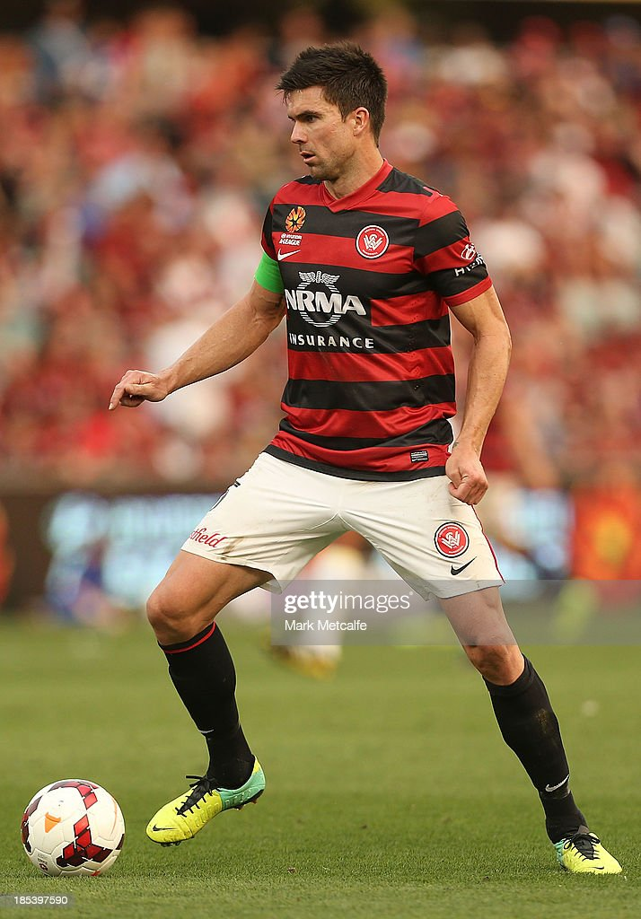 <a gi-track='captionPersonalityLinkClicked' href=/galleries/search?phrase=Michael+Beauchamp&family=editorial&specificpeople=221180 ng-click='$event.stopPropagation()'>Michael Beauchamp</a> of the Wanderers controls the ball during the round two A-League match between the Western Sydney Wanderers and Wellington Phoenix at Parramatta Stadium on October 20, 2013 in Sydney, Australia.