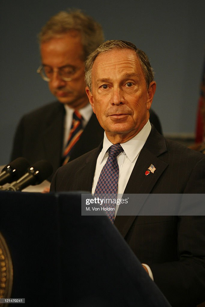 <a gi-track='captionPersonalityLinkClicked' href=/galleries/search?phrase=Michael+Bloomberg&family=editorial&specificpeople=171685 ng-click='$event.stopPropagation()'>Michael Bloomberg</a>, New York Mayor, (Background) <a gi-track='captionPersonalityLinkClicked' href=/galleries/search?phrase=Walter+Veltroni&family=editorial&specificpeople=558343 ng-click='$event.stopPropagation()'>Walter Veltroni</a>, Rome Mayor