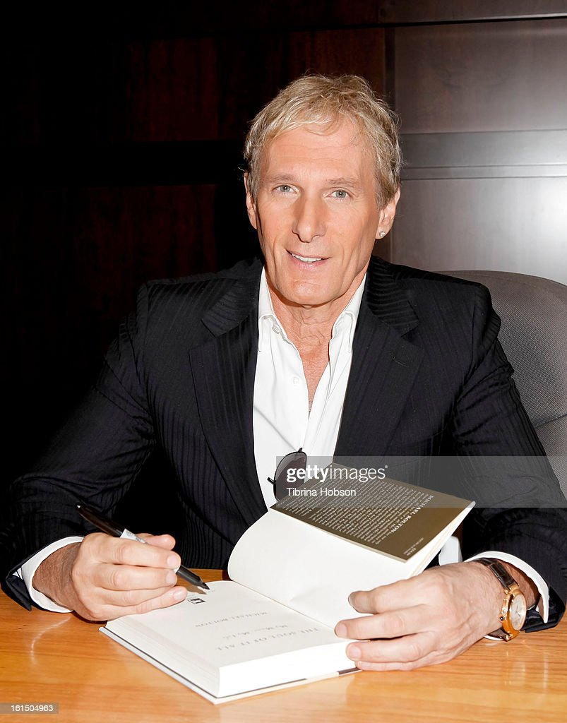 <a gi-track='captionPersonalityLinkClicked' href=/galleries/search?phrase=Michael+Bolton&family=editorial&specificpeople=208230 ng-click='$event.stopPropagation()'>Michael Bolton</a> signs copies of his book 'The Soul Of It All: My Music, My life' at Barnes & Noble bookstore at The Grove on February 11, 2013 in Los Angeles, California.