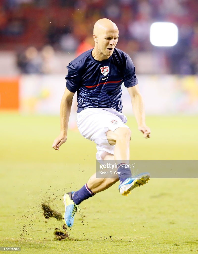Michael Bradley #4 of the United States rolls his left ankle during warmups prior to facing Costa Rica in the FIFA 2014 World Cup Qualifier at Estadio Nacional on September 6, 2013 in San Jose, Costa Rica.