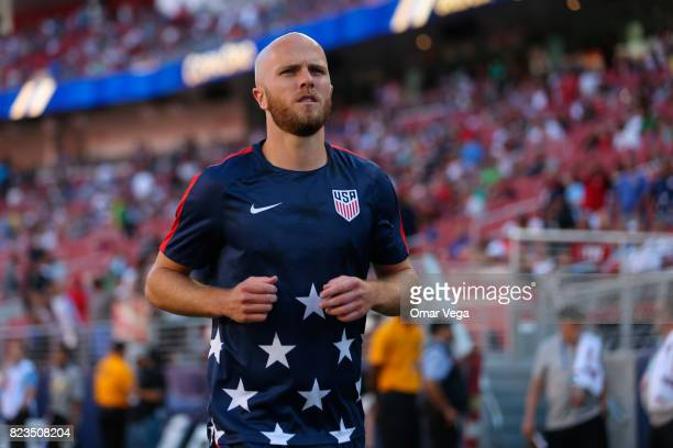 Michael Bradley of the United States warms up prior to the CONCACAF Gold Cup 2017 final match between United States and Jamaica at Levi's Stadium on...