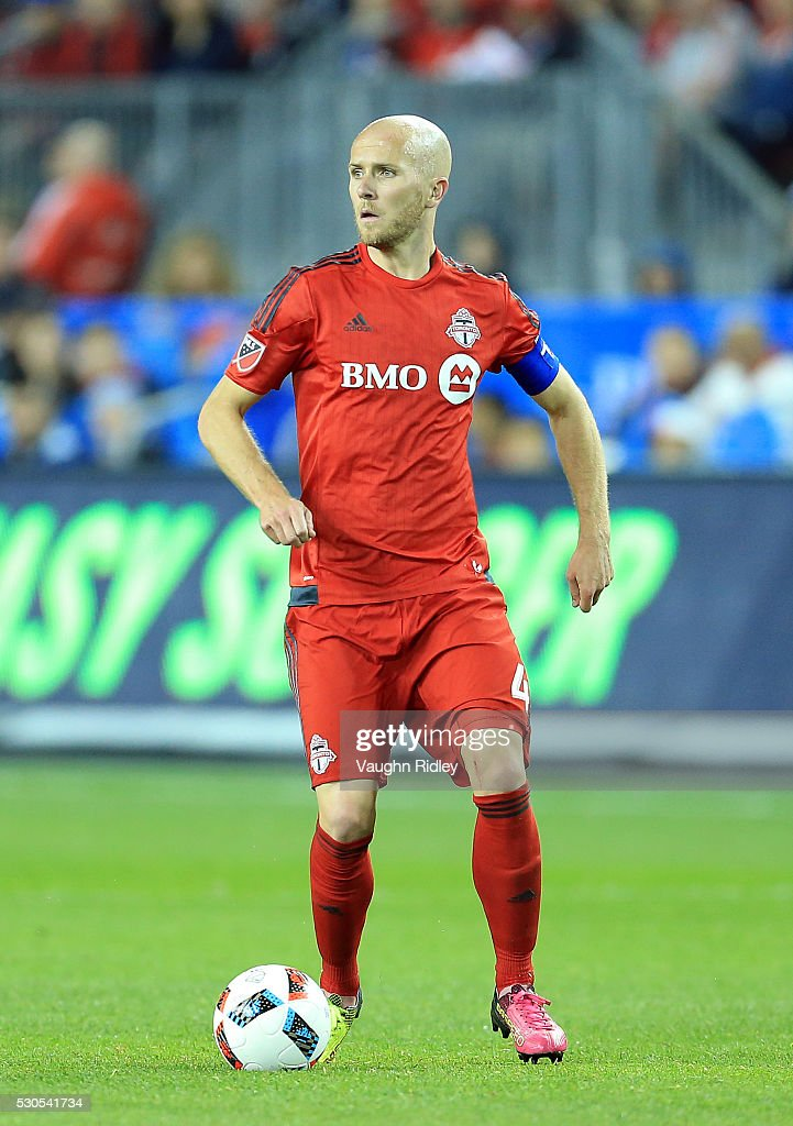 <a gi-track='captionPersonalityLinkClicked' href=/galleries/search?phrase=Michael+Bradley+-+Soccer+Player&family=editorial&specificpeople=7022299 ng-click='$event.stopPropagation()'>Michael Bradley</a> #4 of Toronto FC dribbles the ball during the second half of an MLS soccer game against FC Dallas at BMO Field on May 7, 2016 in Toronto, Ontario, Canada.