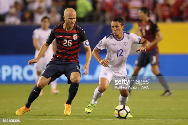 Michael Bradley of United States of America and Narciso Orellana of El Salvador during the 2017 CONCACAF Gold Cup Quarter Final match between United...