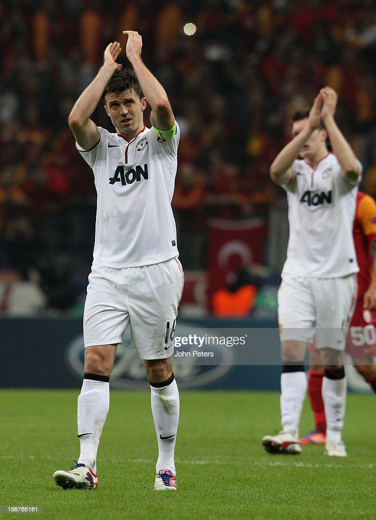 <a gi-track='captionPersonalityLinkClicked' href=/galleries/search?phrase=Michael+Carrick&family=editorial&specificpeople=214599 ng-click='$event.stopPropagation()'>Michael Carrick</a> of Manchester United applauds the fans after the UEFA Champions League Group H match between Galatasaray AS and Manchester United at the Turk Telekom Arena on November 20, 2012 in Istanbul, Turkey.