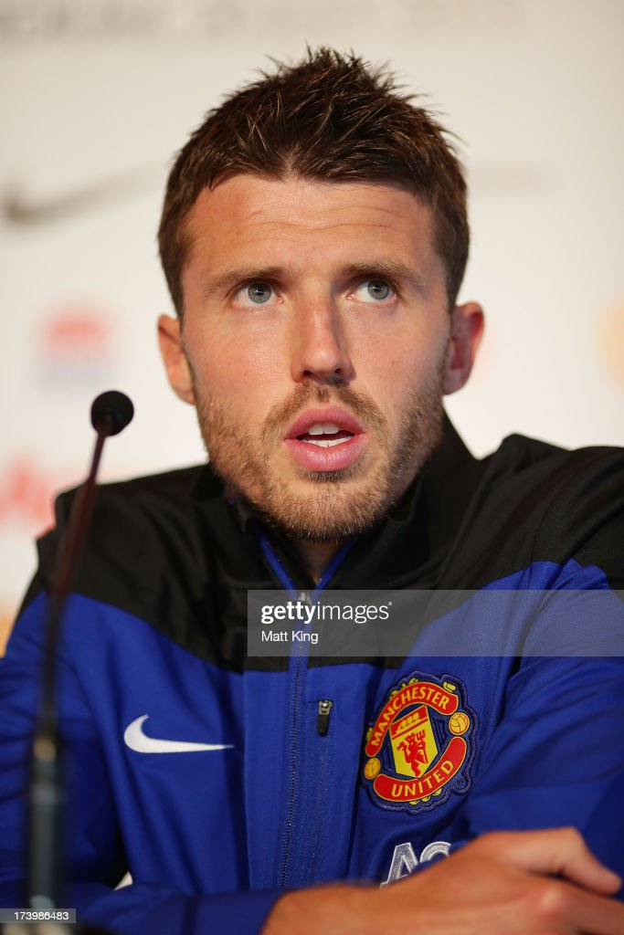 <a gi-track='captionPersonalityLinkClicked' href=/galleries/search?phrase=Michael+Carrick&family=editorial&specificpeople=214599 ng-click='$event.stopPropagation()'>Michael Carrick</a> speaks to the media during a Manchester United press conference at Museum of Contemporary Art on July 19, 2013 in Sydney, Australia.