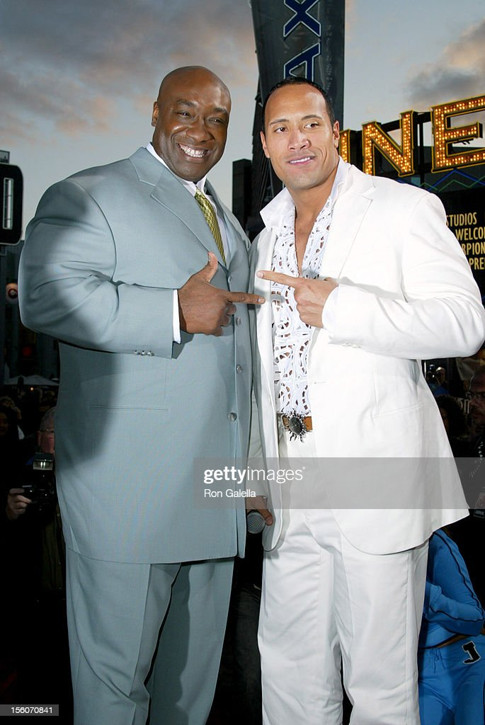 ¿Cuánto mide Dwayne Johnson (The Rock)? - Altura - Real height Michael-clarke-duncan-and-the-rock-during-the-scorpion-king-premiere-picture-id156070841