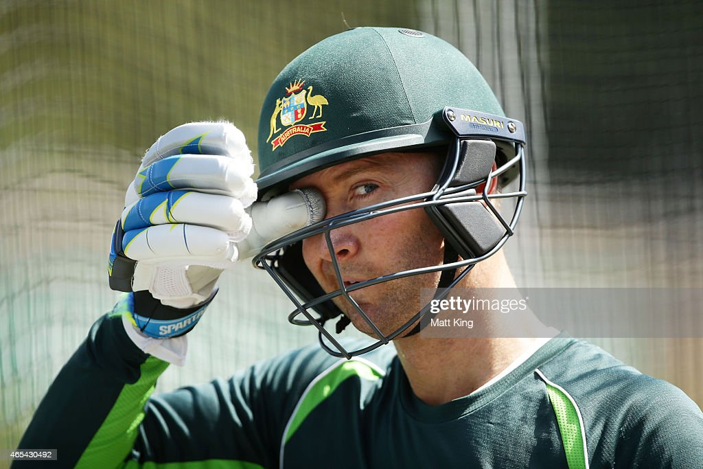 <a gi-track='captionPersonalityLinkClicked' href=/galleries/search?phrase=Michael+Clarke+-+Joueur+de+cricket&family=editorial&specificpeople=175853 ng-click='$event.stopPropagation()'>Michael Clarke</a> of Australia bats during an Australia nets session at Sydney Cricket Ground on March 7, 2015 in Sydney, Australia.