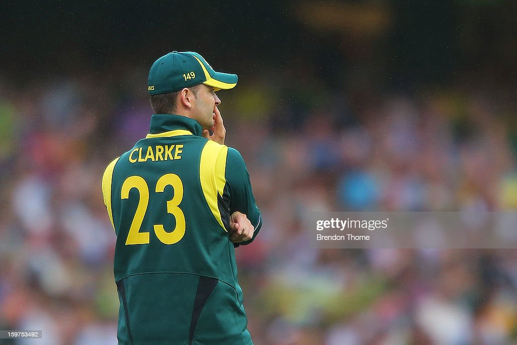 Michael Clarke of Australia looks on as Sri Lanka score another boundry during game four of the Commonwealth Bank one day international series between Australia and Sri Lanka at Sydney Cricket Ground on January 20, 2013 in Sydney, Australia.