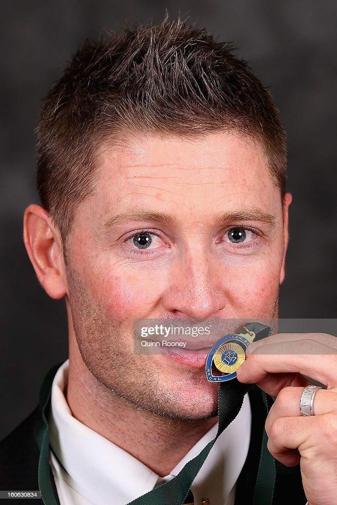 <a gi-track='captionPersonalityLinkClicked' href=/galleries/search?phrase=Michael+Clarke+-+Cricketspelare&family=editorial&specificpeople=175853 ng-click='$event.stopPropagation()'>Michael Clarke</a> of Australia poses poses after winning the Allan Border Medal at the 2013 Allan Border Medal awards ceremony at Crown Palladium on February 4, 2013 in Melbourne, Australia.