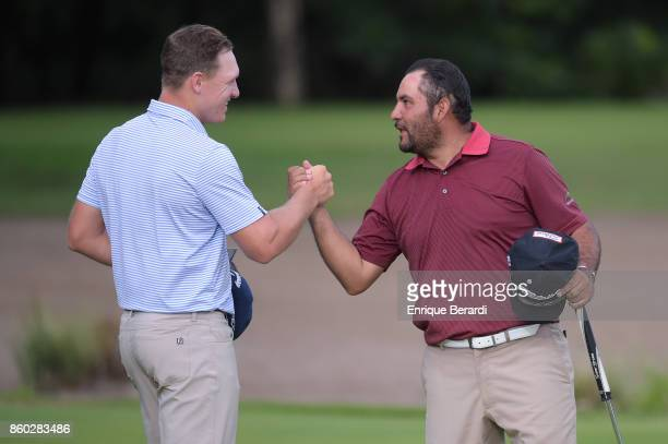 Michael Davan of the United States shakes hands with Jose de Jesus Rodriguez of Mexico during the final round of the PGA TOUR Latinoamérica Flor de...