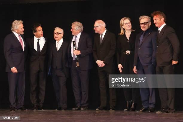 Michael Douglas Ben Stiller Martin Scorsese Robert De Niro Barry Levinson Meryl Streep Harvey Keitel and Sean Penn pose onstage during the 44th...