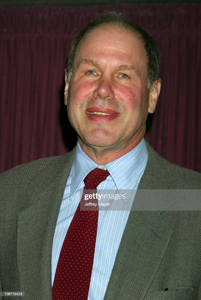 michael eisner When michael d eisner leaves the walt disney company for good on friday, there will be no grand send-off or congratulatory party.