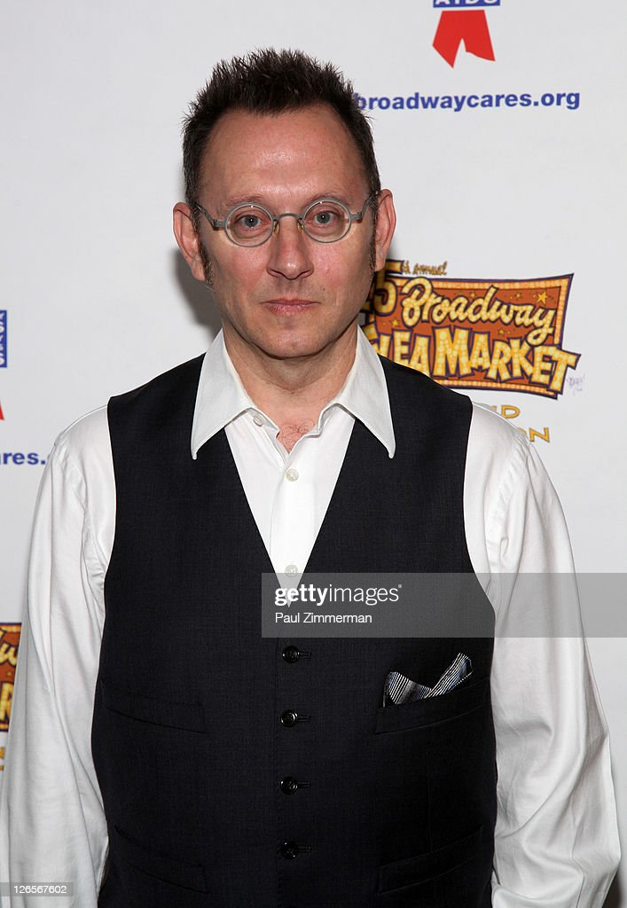 <a gi-track='captionPersonalityLinkClicked' href=/galleries/search?phrase=Michael+Emerson&family=editorial&specificpeople=653299 ng-click='$event.stopPropagation()'>Michael Emerson</a> attends the 25th annual Broadway Flea Market at The Bernard B. Jacobs Theatre on September 25, 2011 in New York City.