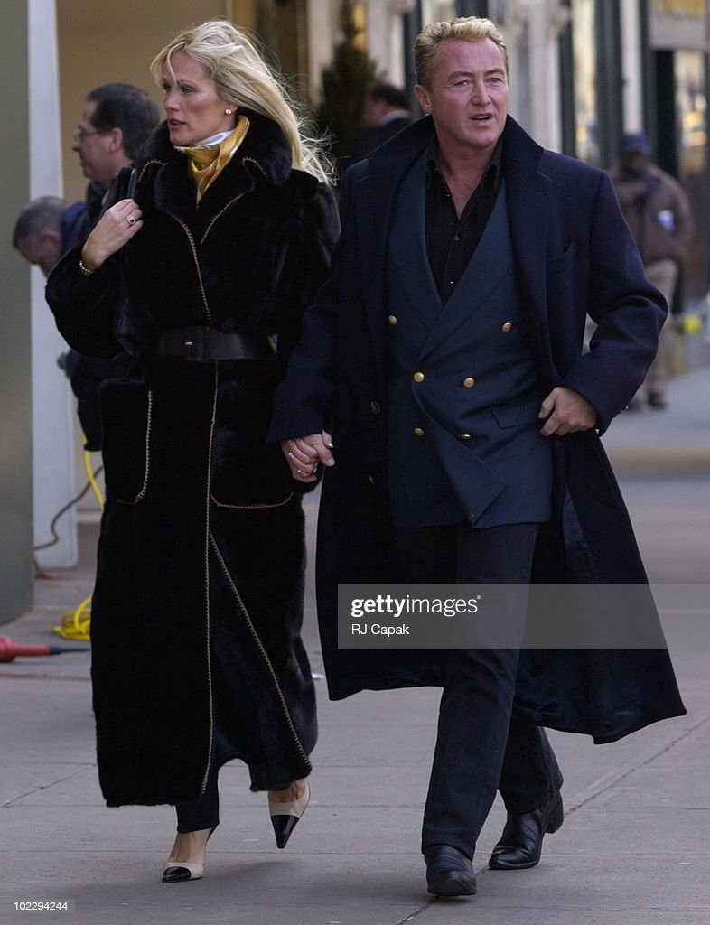<a gi-track='captionPersonalityLinkClicked' href=/galleries/search?phrase=Michael+Flatley&family=editorial&specificpeople=593199 ng-click='$event.stopPropagation()'>Michael Flatley</a> & Fiance Lisa Murphy