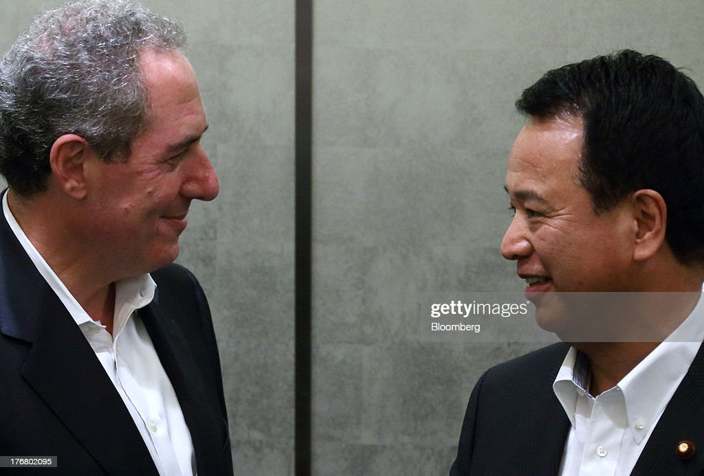 Michael Froman, U.S. trade representative, left, meets with <a gi-track='captionPersonalityLinkClicked' href=/galleries/search?phrase=Akira+Amari&family=editorial&specificpeople=3868034 ng-click='$event.stopPropagation()'>Akira Amari</a>, Japan's minister of state for economic and fiscal policy, during a photo session ahead of their meeting in Tokyo, Japan, on Monday, Aug. 19, 2013. The 11 nations participating in the Trans-Pacific Partnership (TPP) negotiations are seeking to create an economic zone with $26 trillion in annual output. Photographer: Tomohiro Ohsumi/Bloomberg via Getty Images