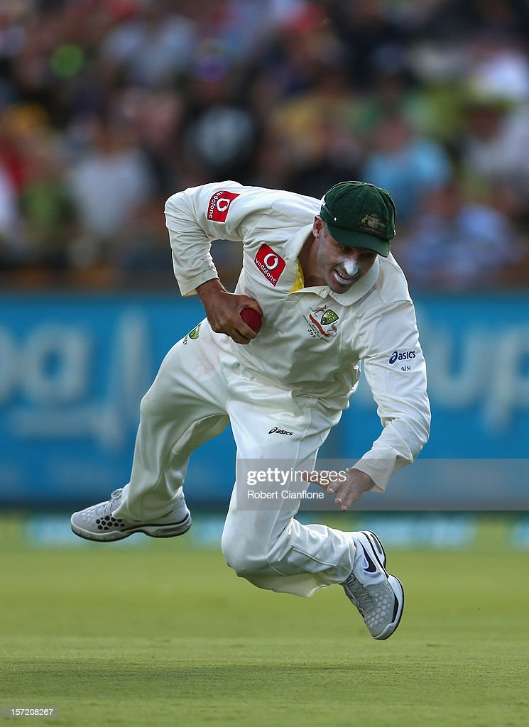 <a gi-track='captionPersonalityLinkClicked' href=/galleries/search?phrase=Michael+Hussey&family=editorial&specificpeople=171690 ng-click='$event.stopPropagation()'>Michael Hussey</a> of Australia catches out Vernon Philander during day one of the Third Test Match between Australia and South Africa at the WACA on November 30, 2012 in Perth, Australia.