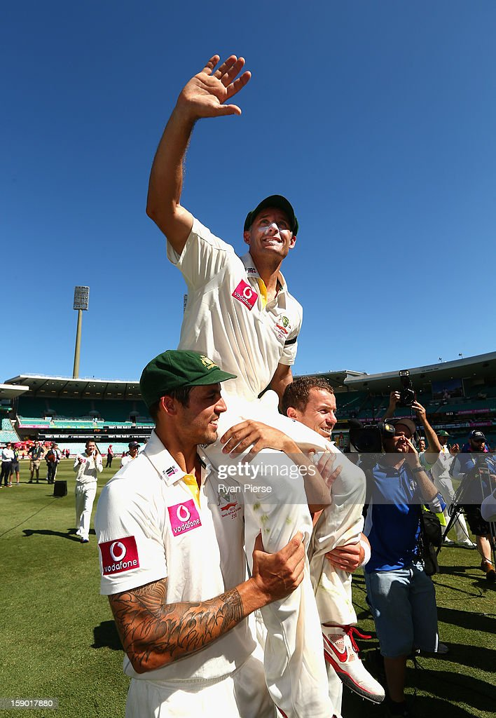 <a gi-track='captionPersonalityLinkClicked' href=/galleries/search?phrase=Michael+Hussey&family=editorial&specificpeople=171690 ng-click='$event.stopPropagation()'>Michael Hussey</a> of Australia is chaired off by Mitchell Johnson and <a gi-track='captionPersonalityLinkClicked' href=/galleries/search?phrase=Peter+Siddle&family=editorial&specificpeople=2104718 ng-click='$event.stopPropagation()'>Peter Siddle</a> of Australia after his last last test match during day four of the Third Test match between Australia and Sri Lanka at Sydney Cricket Ground on January 6, 2013 in Sydney, Australia.