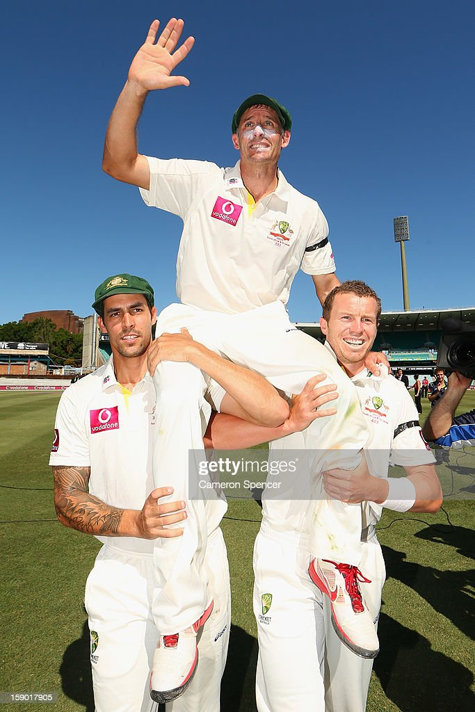 <a gi-track='captionPersonalityLinkClicked' href=/galleries/search?phrase=Michael+Hussey&family=editorial&specificpeople=171690 ng-click='$event.stopPropagation()'>Michael Hussey</a> of Australia is chaired off the field by team mates Mitchell Johnson (L) and <a gi-track='captionPersonalityLinkClicked' href=/galleries/search?phrase=Peter+Siddle&family=editorial&specificpeople=2104718 ng-click='$event.stopPropagation()'>Peter Siddle</a> after playing his last test, winning day four of the Third Test match between Australia and Sri Lanka at Sydney Cricket Ground on January 6, 2013 in Sydney, Australia.